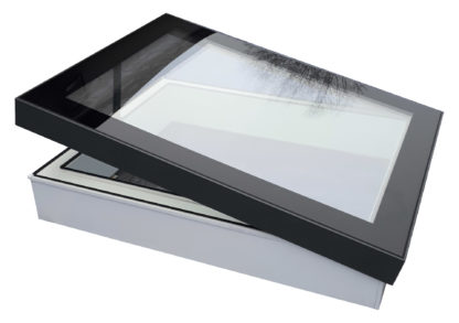 Geöffnetes Flachdachfenster SkyVision COMFORT