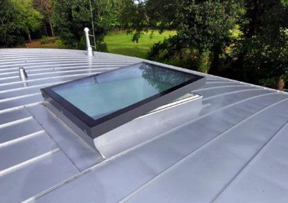 SkyVision COMFORT Oberlicht auf verzinktem Bogendach