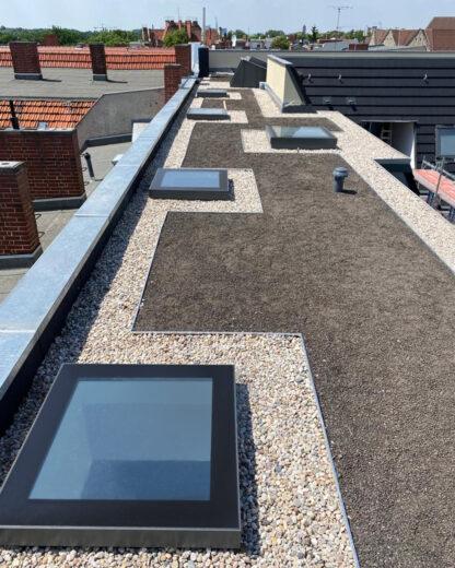Zu öffnende und festverglaste Oberlichter auf einer Dachterrasse – FIXED, COMFORT und ACCESS